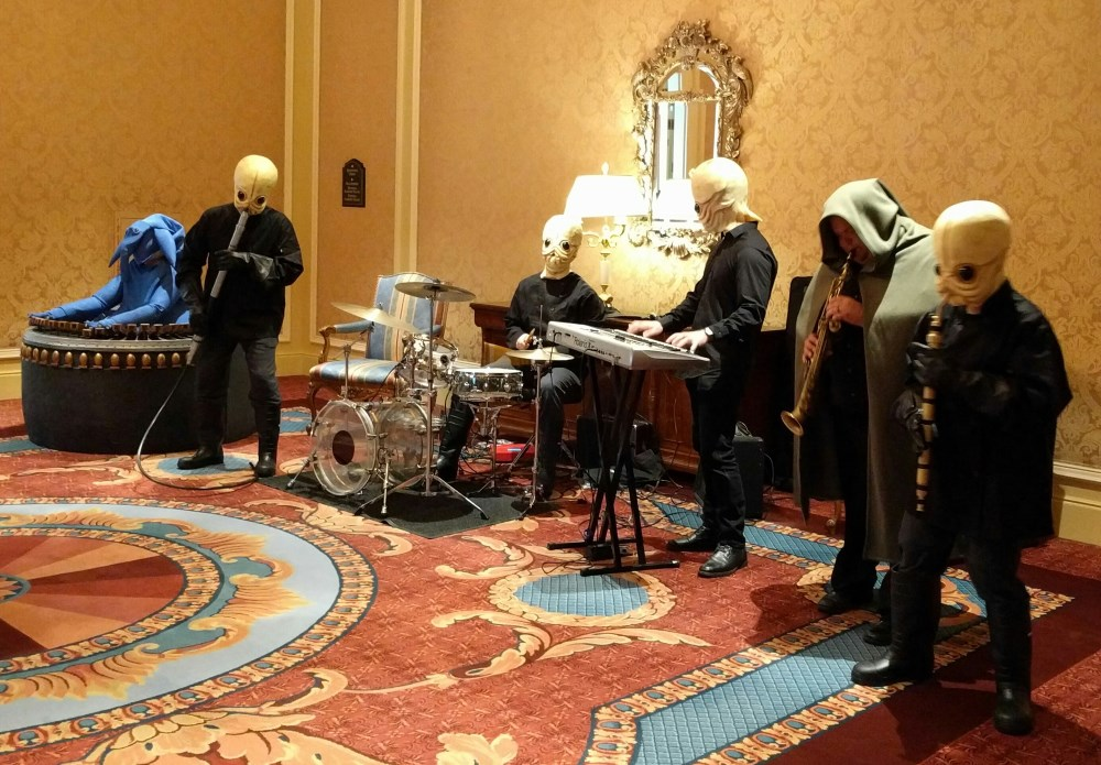Cantina Band playing for ngconf attendees